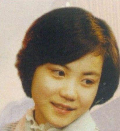 王菲童年照