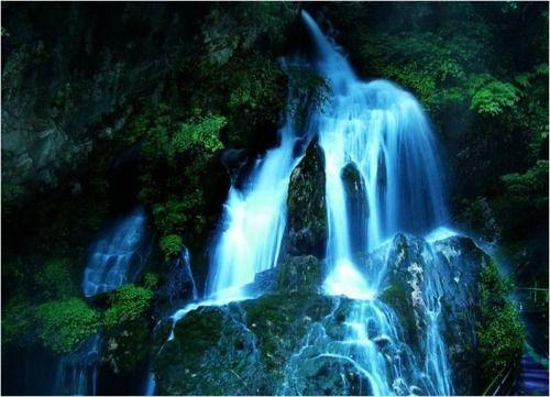 世界最大温泉瀑布
