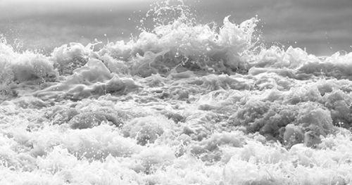 飓风海浪:柯利夫·罗斯摄影展