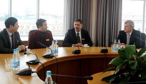 敖特、刘瀚锴、巴巴克一行做客白俄罗斯外交部