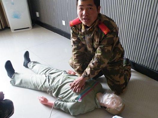 蒙城县开展消防队员应急救护技能培训