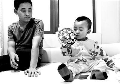 重庆被摔男童术后性格大变