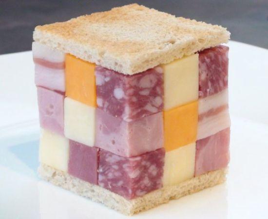 魔方三明治:这个大块头三明治由立方体形状的奶酪