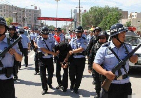陕西退役特警犯下连环强奸案被抓引万人围观