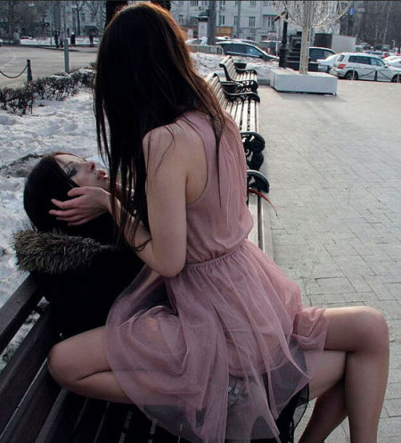 爱丽娜•戴维斯与艾莉森•布鲁克斯