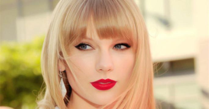 Taylor Swift历届VMA造型盘点