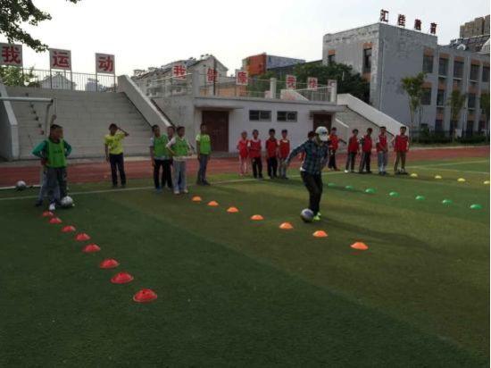 方兴小学校园足球梦