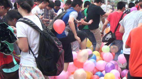 气球为学生高考减压