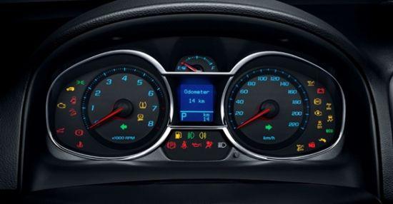 2015年6月12日,雪佛兰正式宣布2015款科帕奇的上市价格,新车共推出4款车型,售价为17.99万~20.99万元,目前全国雪佛兰经销商店已全面接受预订。新款车型对造型设计和配置进行了20处优化升级,包括全新双翼LED尾灯、镀铬仪表盘、无钥匙进入和一键式启动等时尚设计和实用功能,更在中高配车型上首次装备MyLink2.