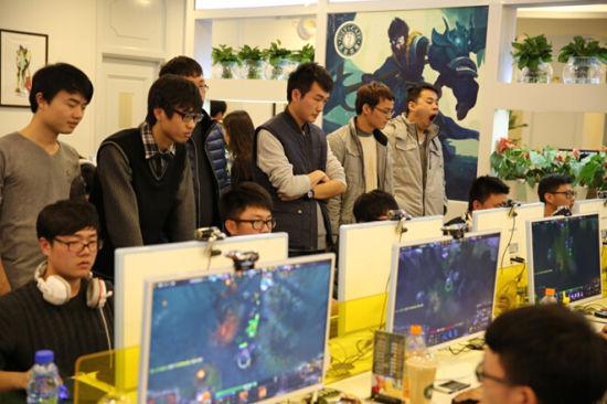 第七届杰拉杯电子竞技决赛即将迎来电动_新浪自己做大赛滑板车图片