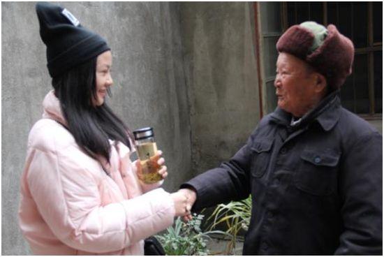 大山里走出的清纯女孩杨雅舒