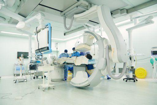 上海德达医院完成首例介入手术,葛均波院士悉心救治心脏病人!【广告】