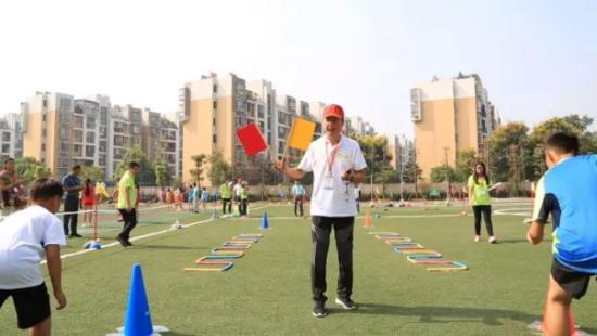 葛小展运动风采 首届安徽省少儿趣味田径运动
