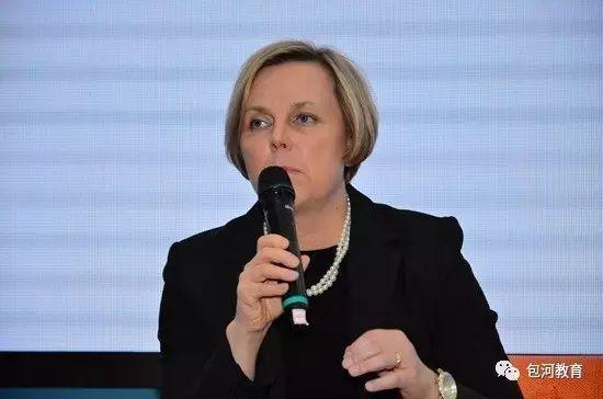 芬兰南赫尔万达综合学校校长 欧乌兰