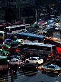 暴雨光顾合肥 部分路段大堵车