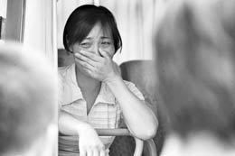 湖南上访母亲称将检举两名警察奸淫其女儿_新