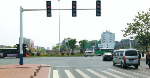 所有人 没有红绿灯的路口究竟谁先走?看完就懂了!