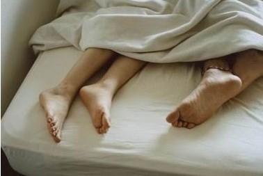 新娘新婚之夜上错床 与伴郎发生一夜性关系