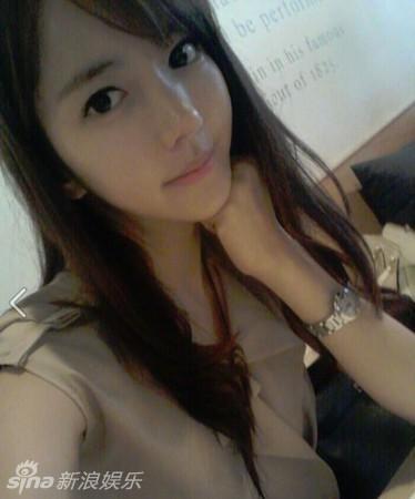 韩国美女教师爆乳比基尼照