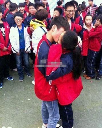 小学生女生和男生接吻_初中男生和女生接吻_男生和 ...