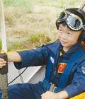 5岁裸跑弟驾飞机